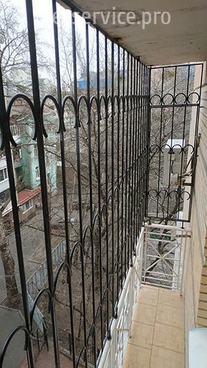 Решітка на балкон 6 поверх