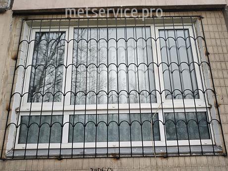 Решітка на панорамне вікно