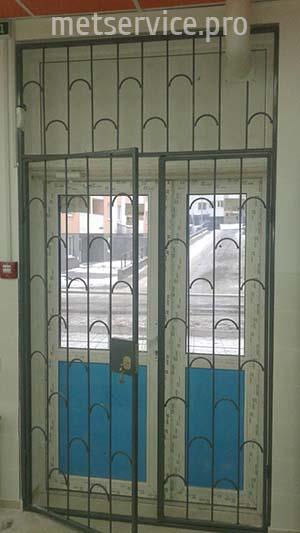 Внутрішні решітки на вхідні двері