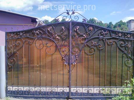 Металеві ворота